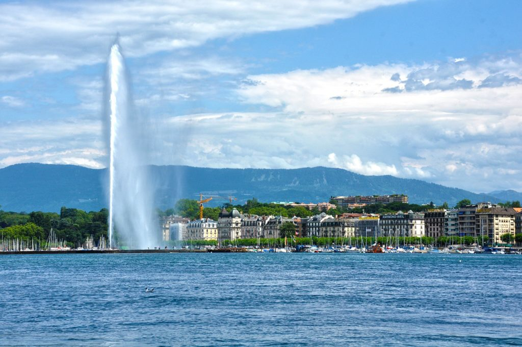 View over Lake Geneva with the jet d'eau