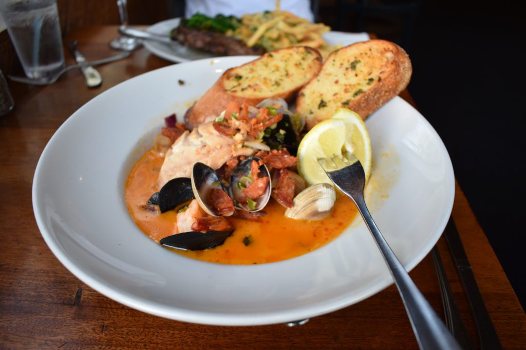 Mussels and Clam dish with Marinara Sauce and garlic bread