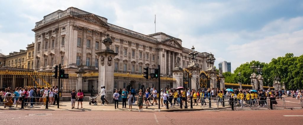 Buckingham Palace, most beautiful cities in Europe