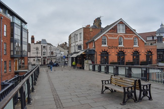 Eton Bridge, weekend itinerary and travel guide in Windsor
