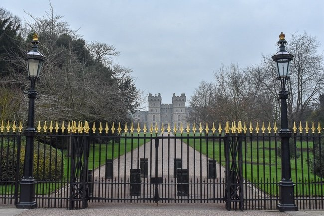 Windsor Castle's Cambridge Gate, a weekend itinerary and travel guide in Windsor in 2020.