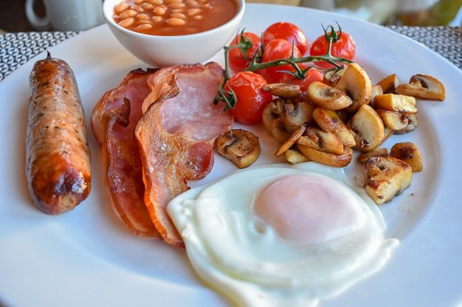 Eating breakfast at Hotel Una is among the cool and quirky things to do in Brighton, England.
