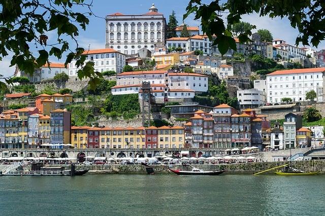 Travel Trivia Quiz - Porto, Portugal