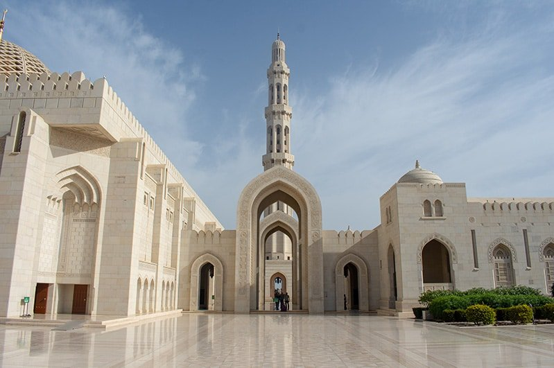 The Sultan Qaboos Grand Mosque is a top attraction in this travel guide of the top things to see and do in Oman.