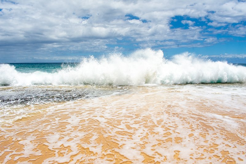 Papohaku Beach is a must-see on this travel guide of the top things to see and do in Molokai, Hawaii.