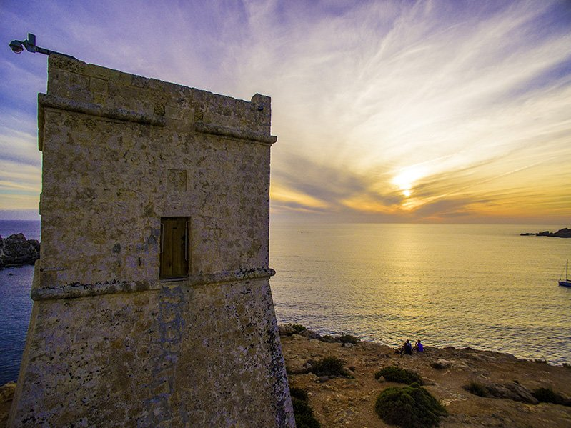 Built in 1637, Għajn Tuffieħa Tower watches over the Għajn Tuffieħa Bay below. It's definitely one of the most Instagrammable places in Malta.