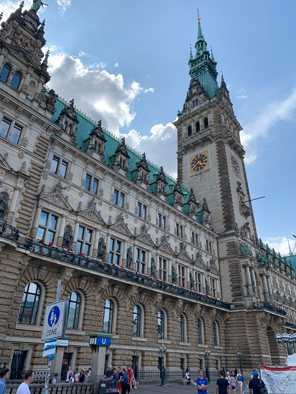 Hamburg Rathaus, one of the nicest cities in Europe.