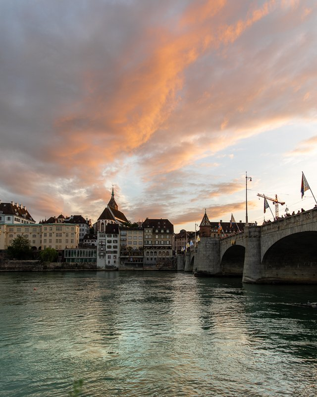 From the promenade in Altstadt Kleinbasel, you'll be able to watch the sunset over the Altstadt Grossbasel.