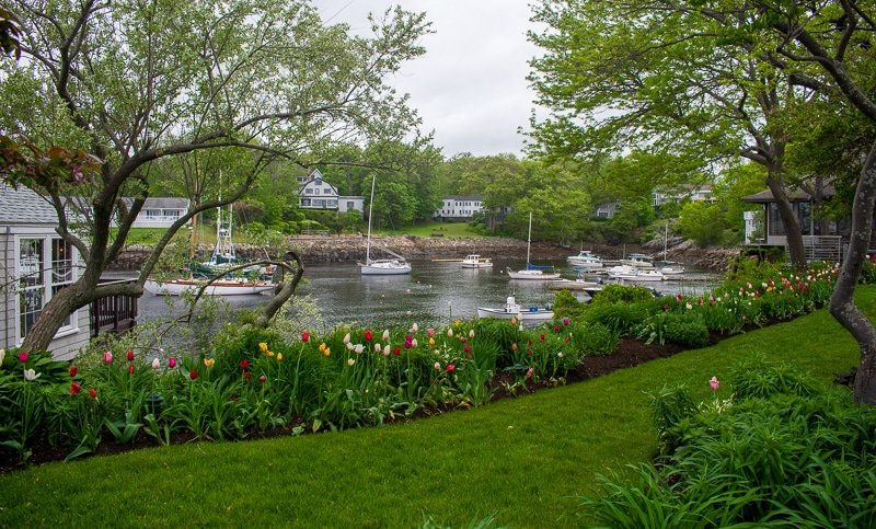 If you want to avoid the crowds, I recommend visiting Ogunquit in the late-spring.