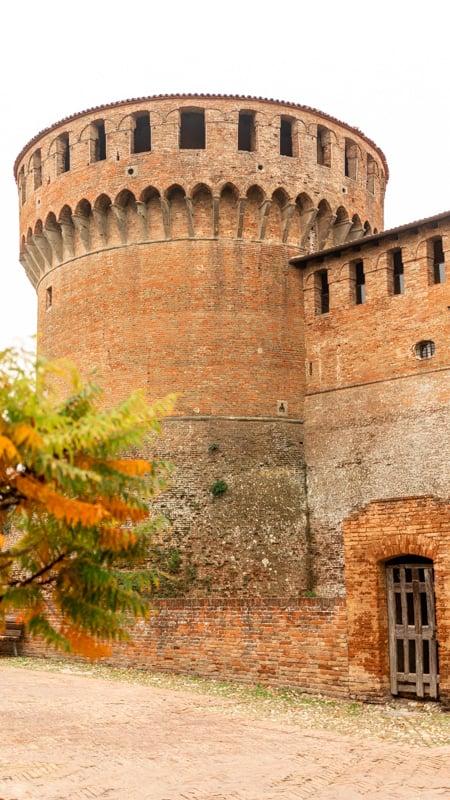 Rocca di Dozza, a great day trip from Bologna