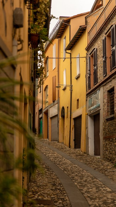 Dozza travel, a great day trip from Bologna