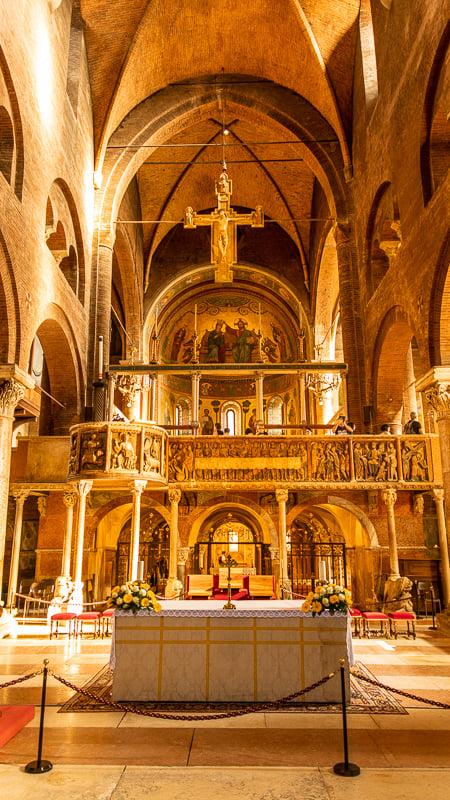 Duomo di Modena interior