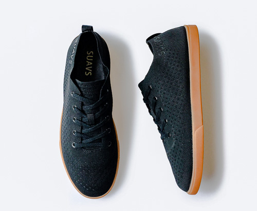 Suavs shoes are one of the best cheap travel gifts for travelers.