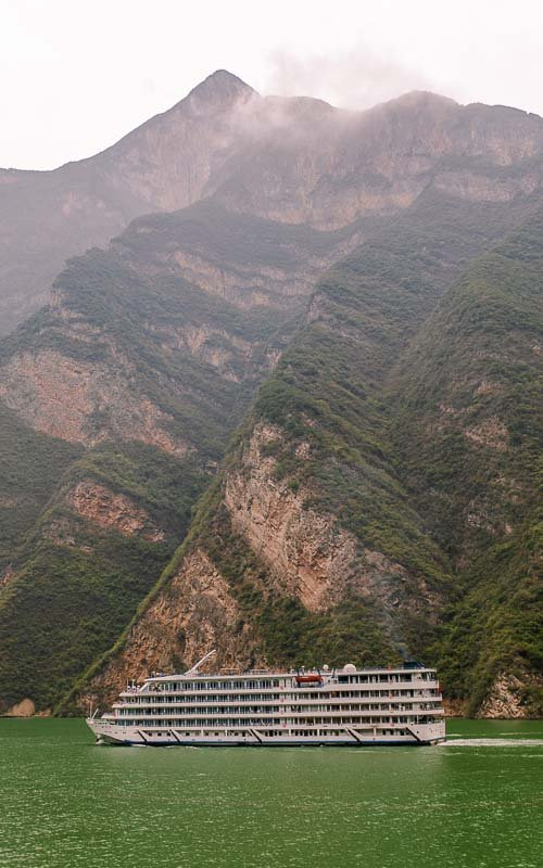 Yangtze River cruise Three Gorges