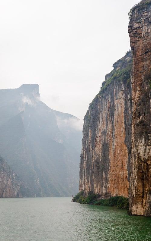 Yangtze river cruise in the fall