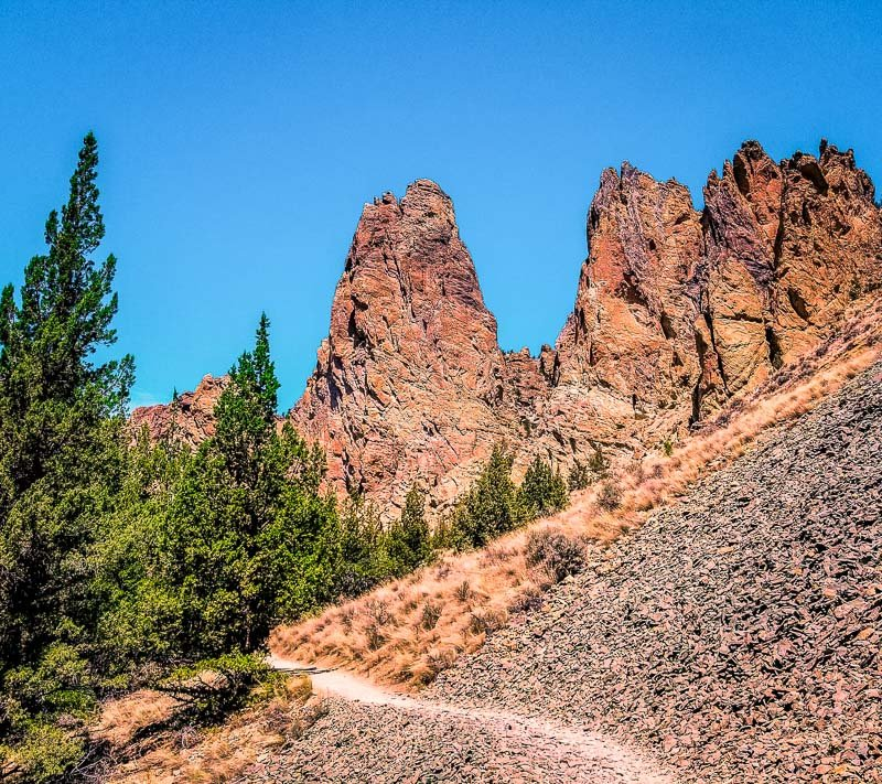Smith Rock State Park in Oregon is a natural gem. It's among the best unknown vacation spots in the US.