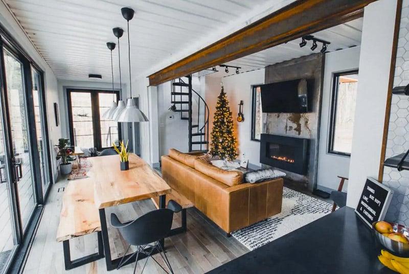 A romantic honeymoon hideaway Airbnb in the US.