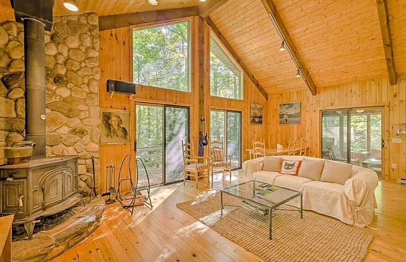 Beautiful layout and interior decor of the Berkshire Cabin.