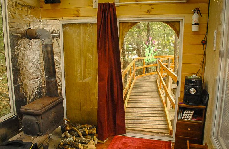 This treehouse is among the best New England rental properties