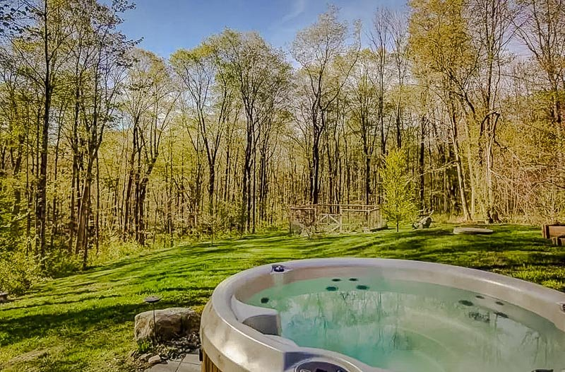 Nothing beats sitting in a hot tub with beautiful nature views.