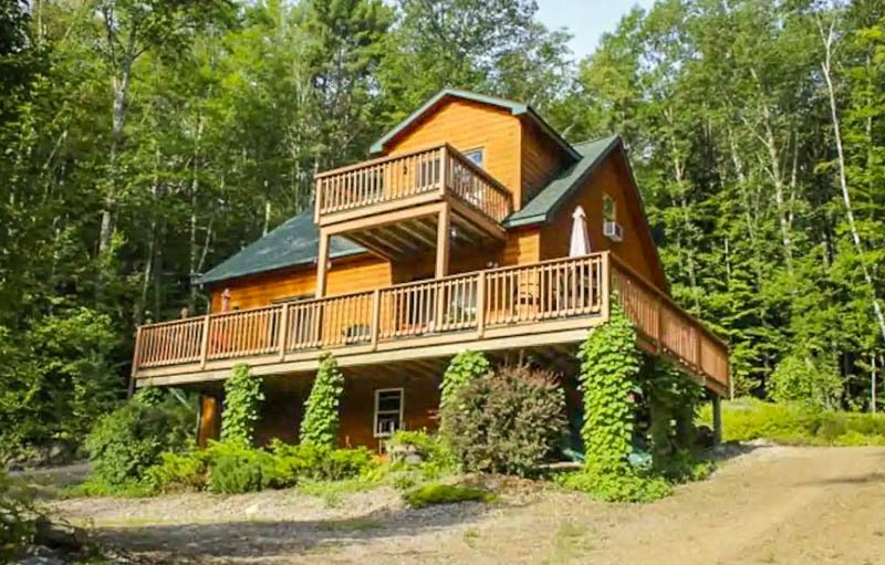 One of the best Airbnbs in the White Mountains of New Hampshire, a fine cottage.
