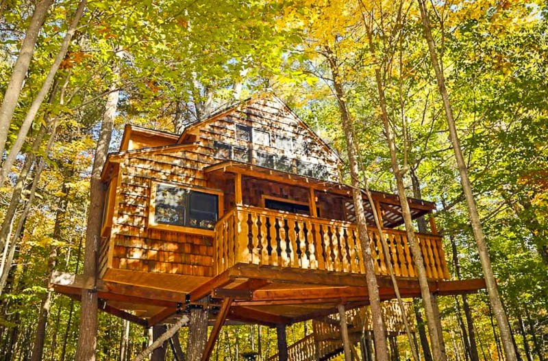 Two-story treehouse Airbnb in the White Mountains of NH