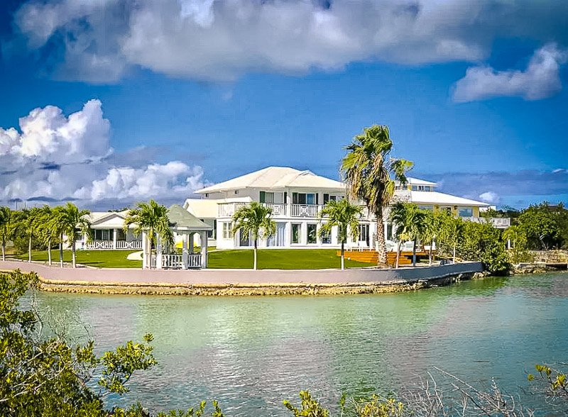 A top Airbnb in Turks and Caicos for families