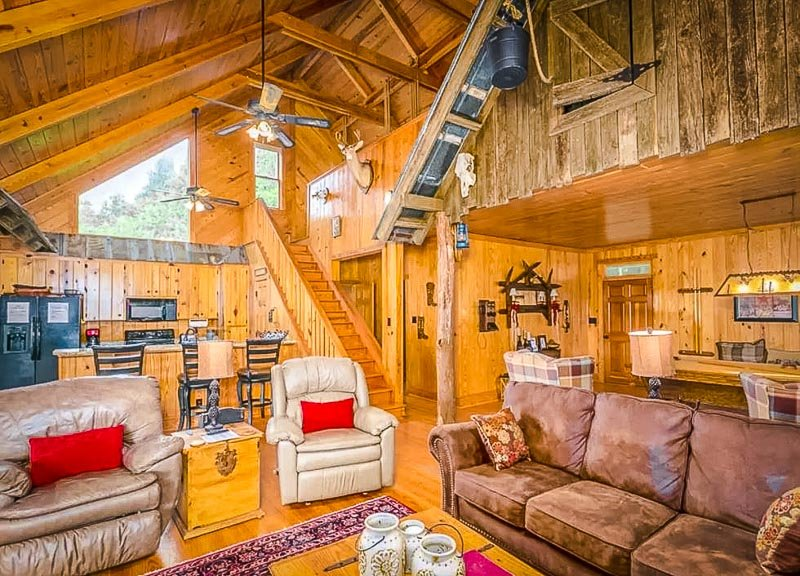 Beautiful vacation rental for large groups of travelers in Georgia.