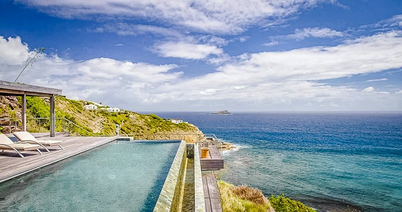 Looking for one of the best places to stay in the world? Look no further than this Airbnb in St. Bart's