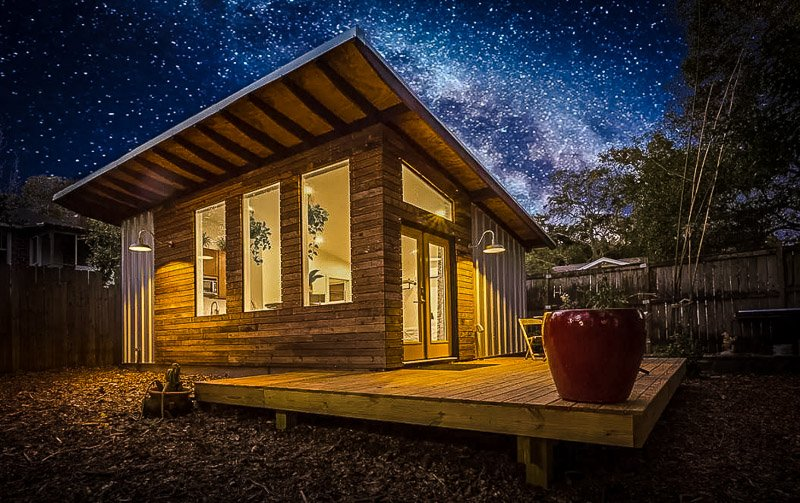 Go stargazing in this exotic accommodation in Pensacola, FL