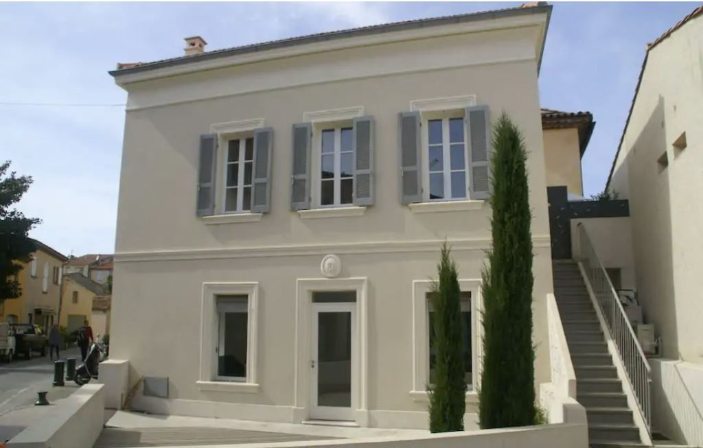 A beautiful holiday home for rent in Saint-Tropez.