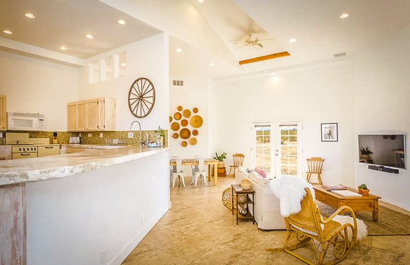 A top notch Airbnb near Joshua Tree National Park in Southern California.