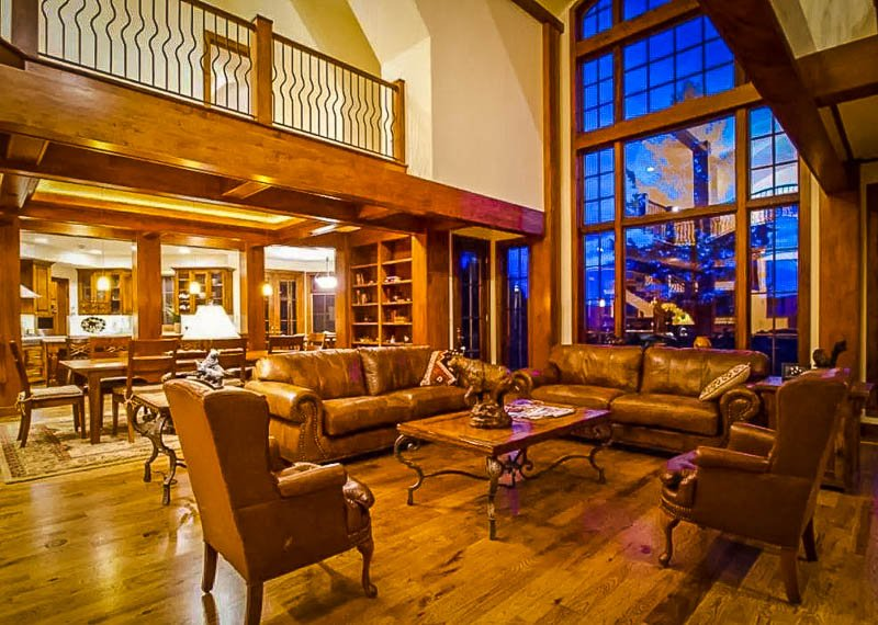 This grand estate is among the best Airbnb vacation rentals in all of Colorado.