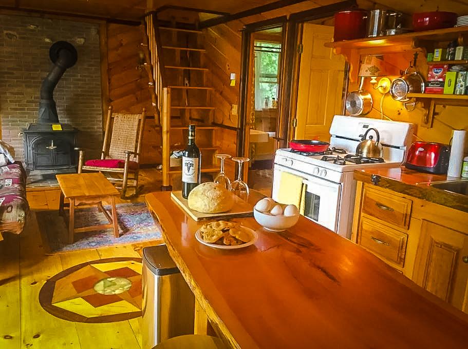 Rustic lake cabin Airbnb