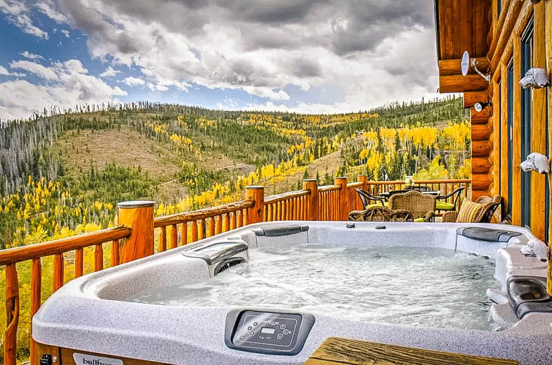 One of the best Airbnbs in Colorado comes with a hot tub and sweeping mountain views