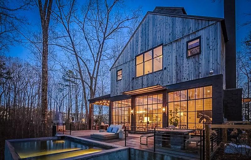 An extravagant Airbnb rental in Georgia.