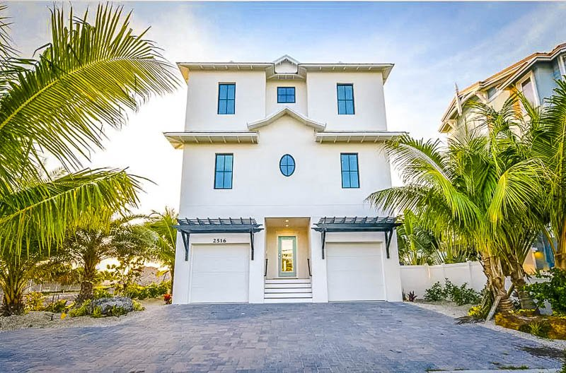 A luxury vacation rental in the heart of FL