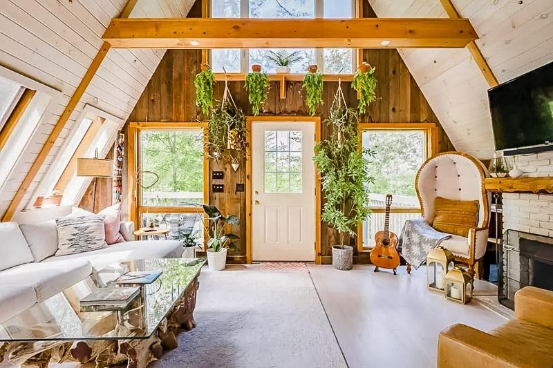 amazing canopy home airbnb in Vermont.