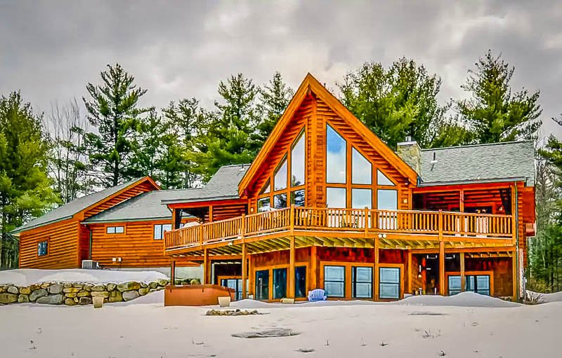 Accommodating 12 guests, this is among the best Airbnbs in New England for large groups
