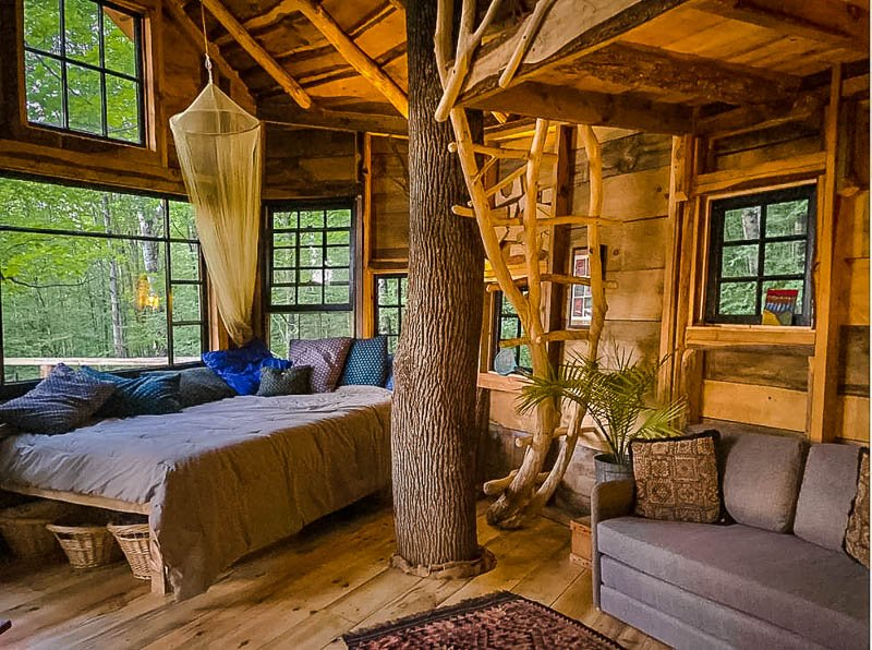 Airbnb treehouse in Vermont