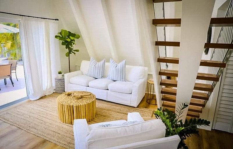 beautiful bungalow with Cabana Club access