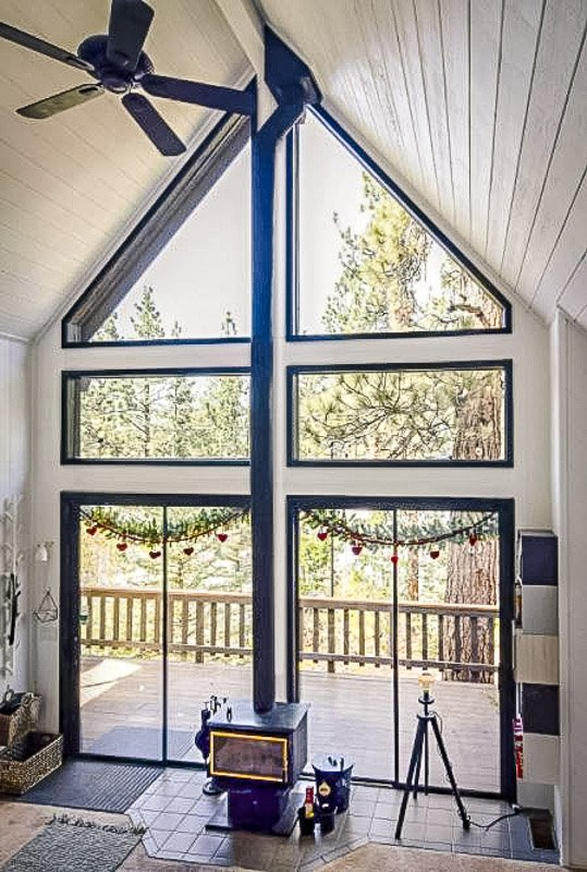 This treetop cabin in Big Bear is one of the best Airbnbs and VRBOs in Southern California.