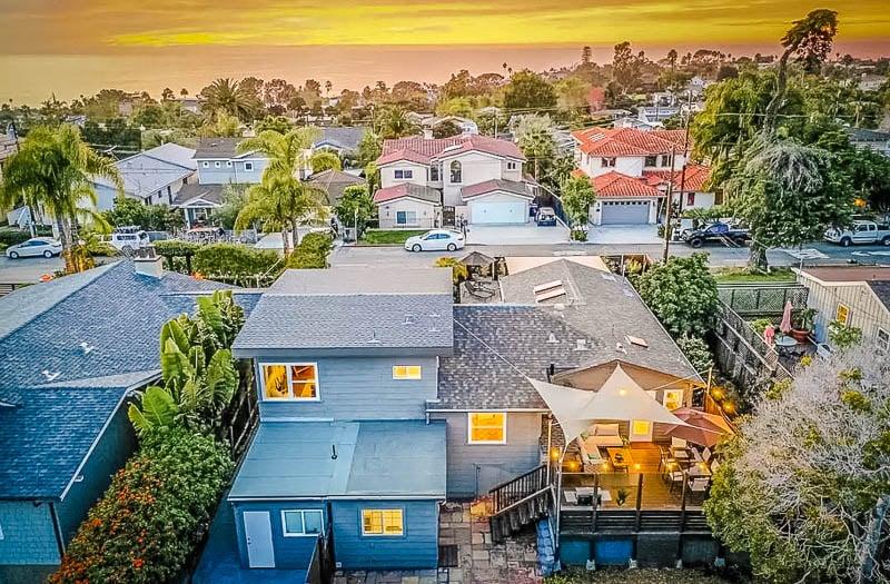 Beautiful beach house rental in Southern California along the coast