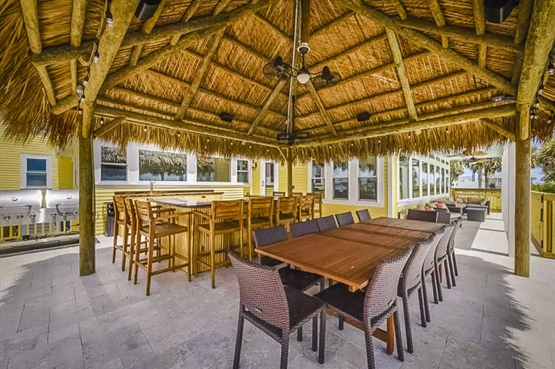 Spacious outdoor seating area, perfect for large groups.