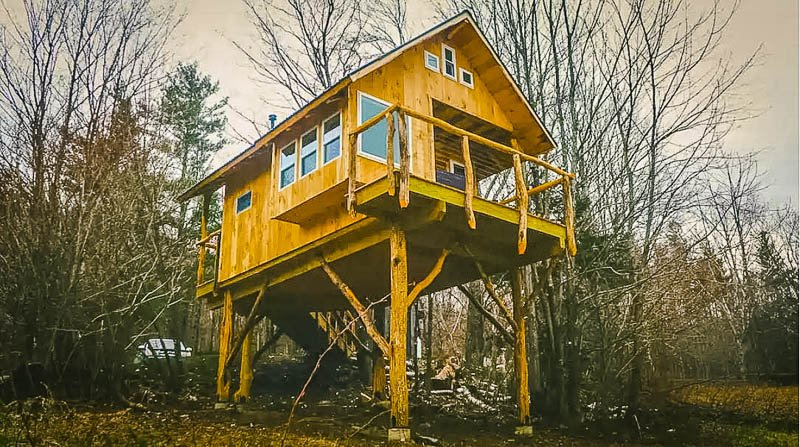 Cozy treehouse in VT