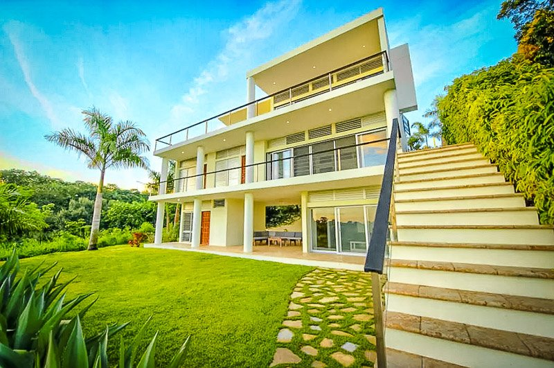 One of the best Airbnbs in Puerto Rico for large groups.