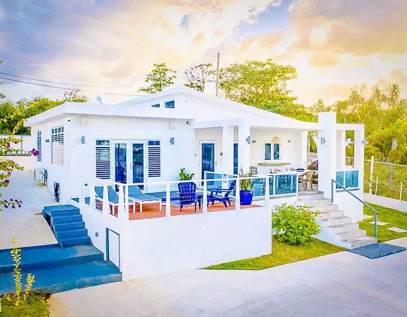 A vibrant villa for rent on the island of PR