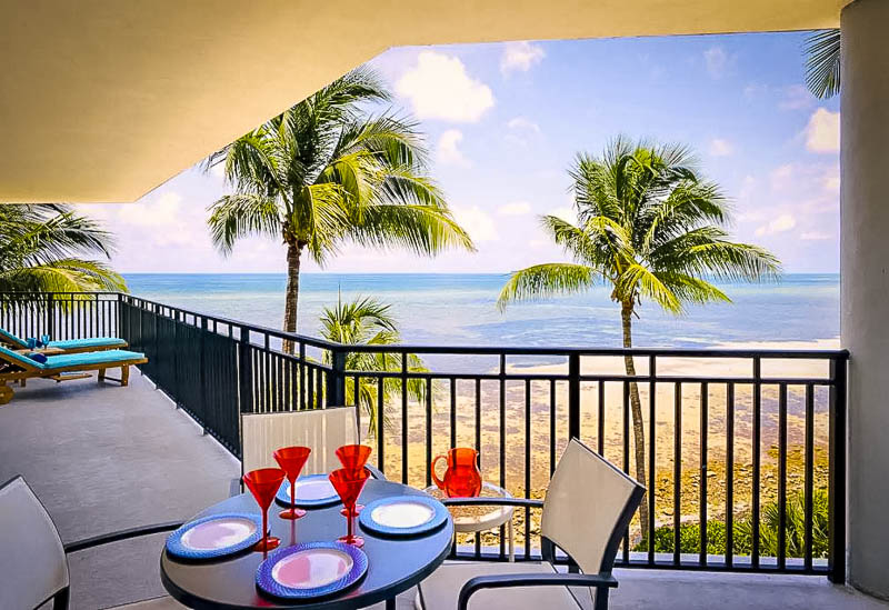Sweeping views of the Atlantic Ocean in Florida