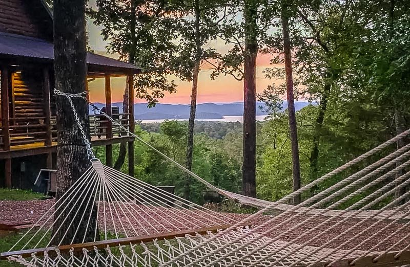 This Airbnb cabin in Broken Bow offers unbeatable views of the lake