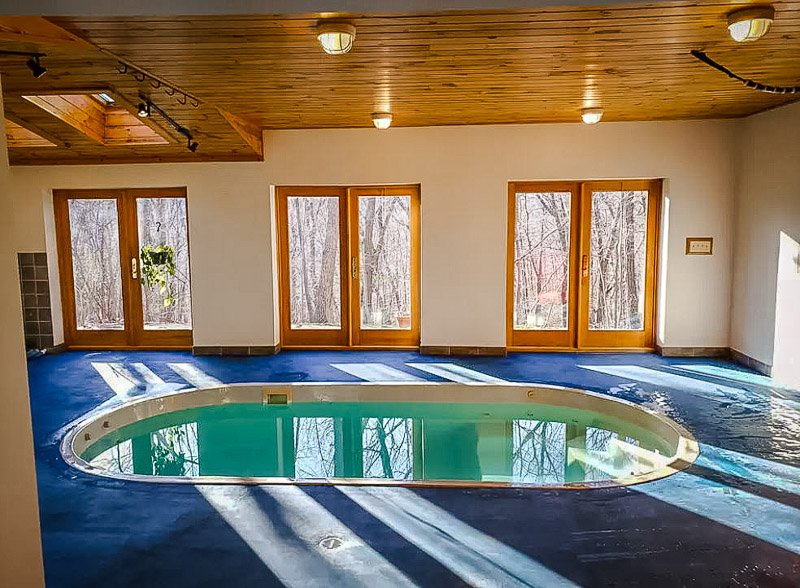 New York rental with pool